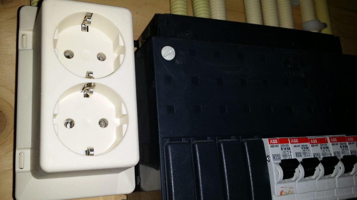 Stopcontact Keuken Aanleggen : stopcontact aanleggen in de meterkast