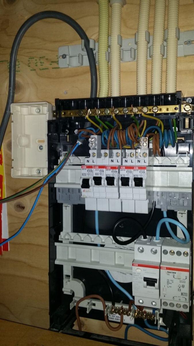 Stopcontact Keuken Aanleggen : stopcontact plaatsen in de meterkast IJsselstein Duran ETB