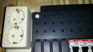 plaatsen dubbele stopcontact in meterkast
